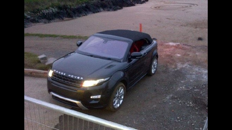 Flagra: Range Rover Evoque Convertible aparece agora com a capota fechada