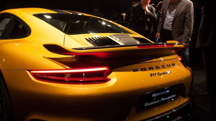 290-nél kapja a hatodikat, 343 a vége – videón a Porsche 911 Turbo S Exclusive Series