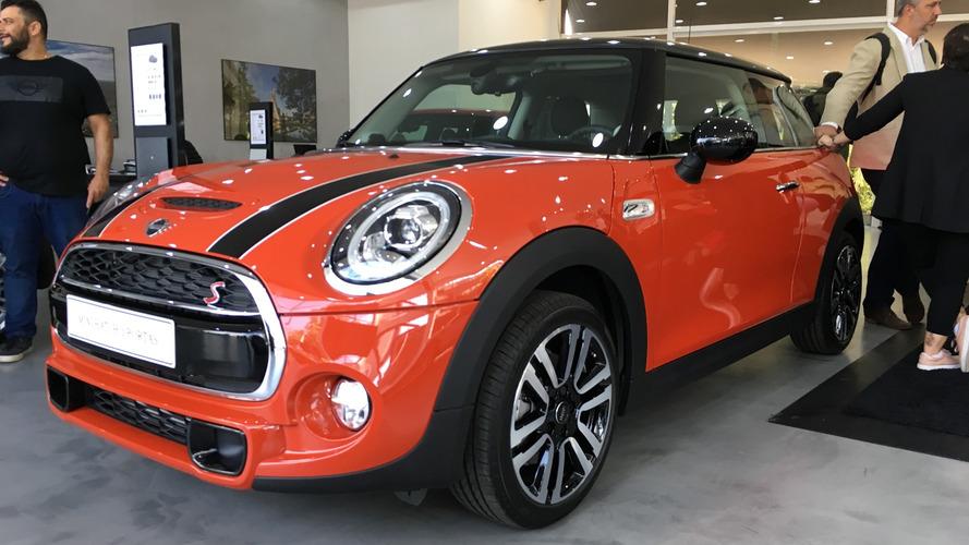 Mini Cooper 2019 chega a partir de R$ 119.990 com três novas cores