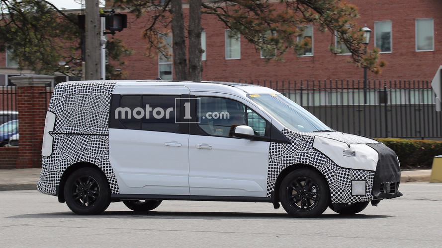 Makyajlı Ford Transit Connect test esnasında yakalandı
