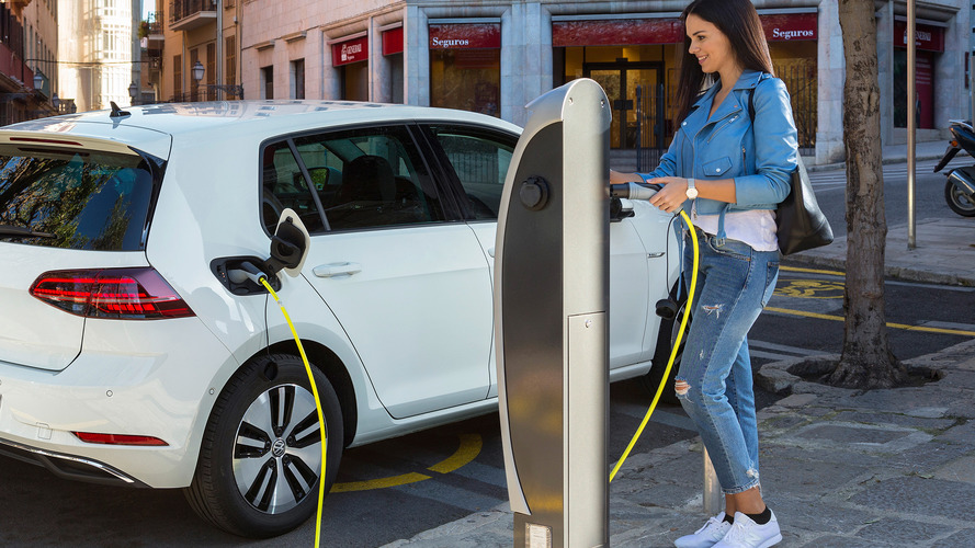 Incentivi auto per chi inquina di meno, qualche buon esempio per il nuovo Governo