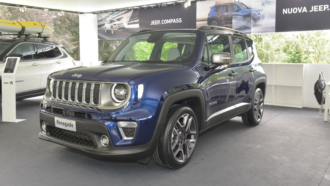 Wrangler Jeep Inside >> See The 2019 Jeep Renegade In First Real Images