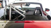 Mazda MX-5 Miata Yarış Aracı Halfie