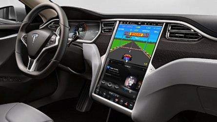 Elon Musk promette videogiochi vintage dentro le Tesla