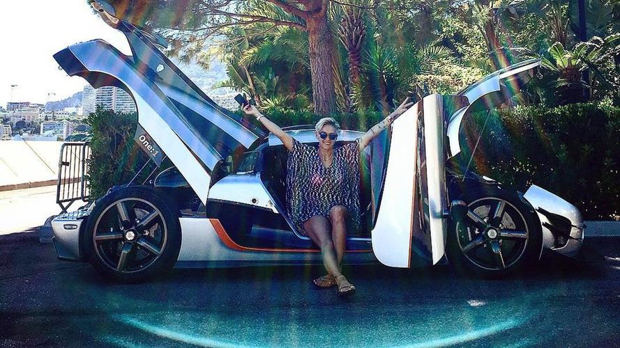 İlk Koenigsegg One:1'i kadın bir yarışçı satın aldı