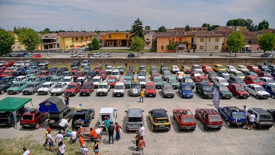 Record Gathering Of Fiat Pandas In (Wait For It) Pandino, Italy
