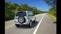 Mitsubishi lança linha 2012 da Pajero TR4 com inédita versão 4x2 e preços a partir de R$ 65.990