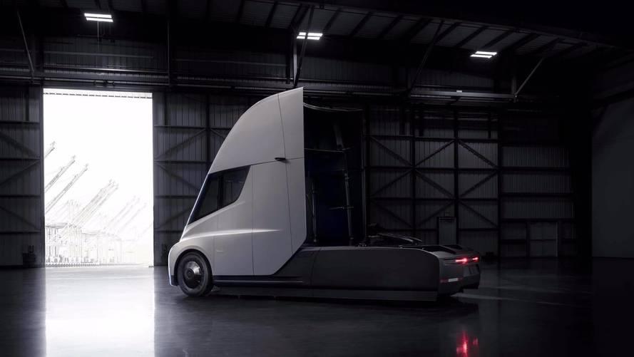 VIDÉO - Le Tesla Semi accélère remarquablement bien
