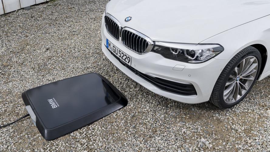 BMW lança primeiro carregador por indução para carros elétricos e híbridos
