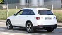 2019 Mercedes GLC facelift spy photo