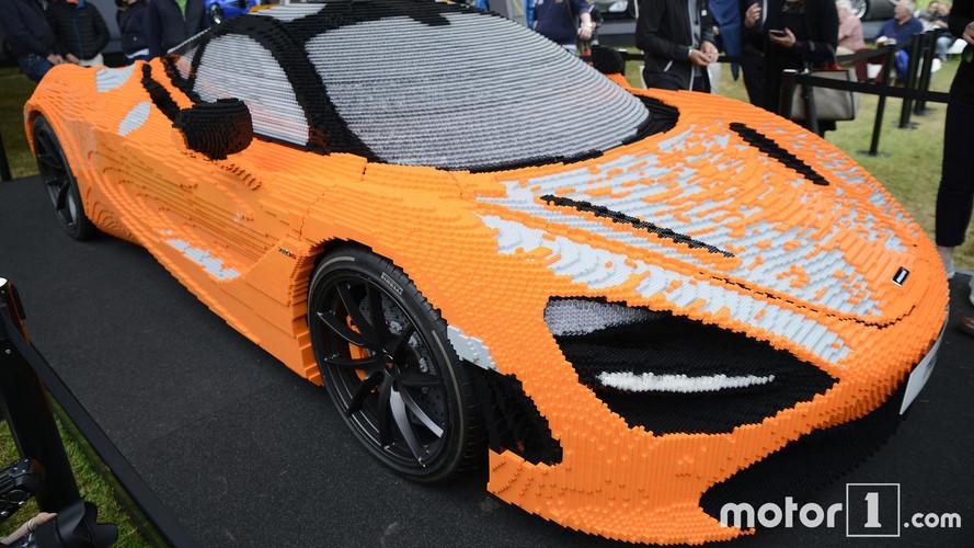 Un McLaren 720S de Lego, con 267.300 piezas, montado en un minuto