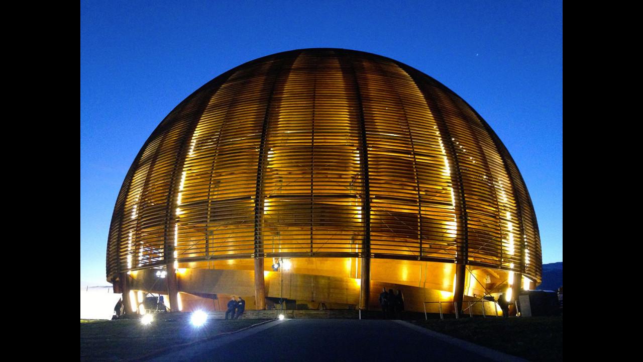Castrol Edge Titanium, la presentazione al CERN