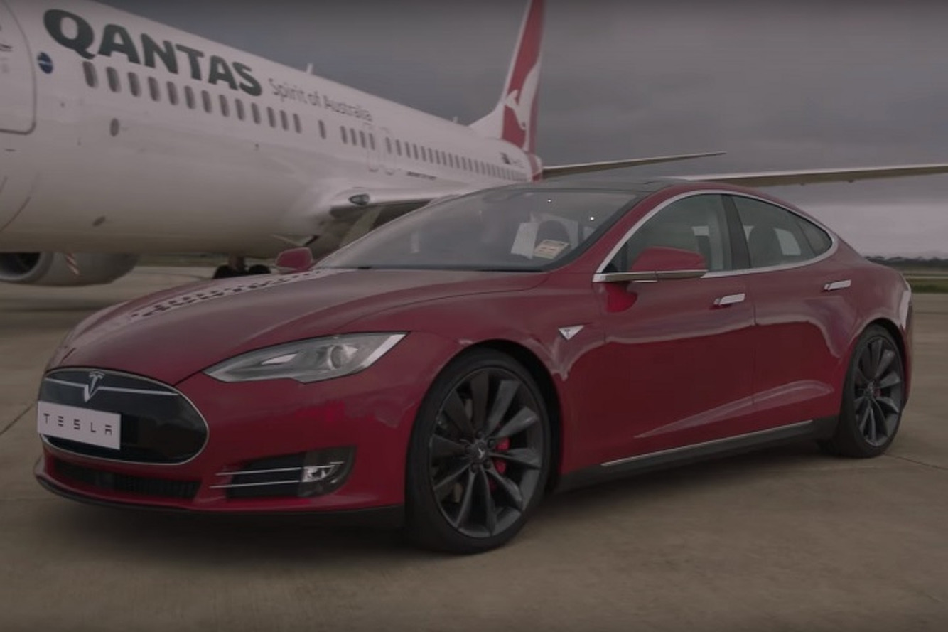 Watch a Tesla Model S Race a Boeing 737