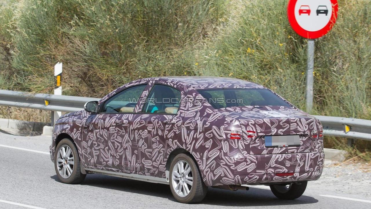 2016 Lada Vesta spy photo
