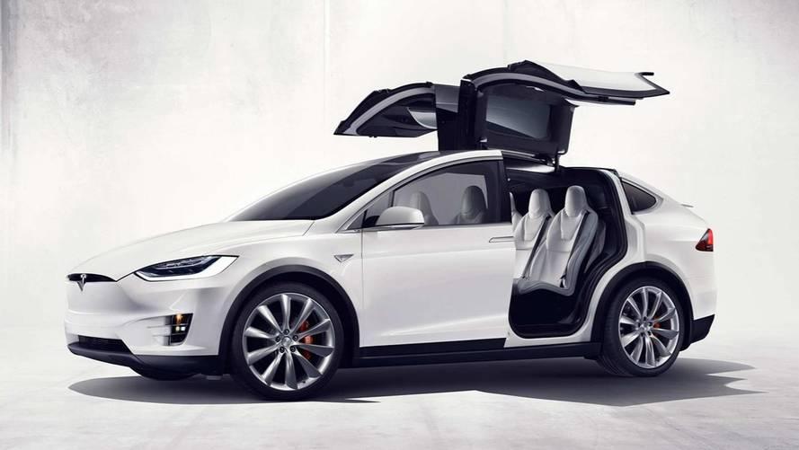 Tesla otomobil bataryalarına ön ısıtma özelliği ekliyor