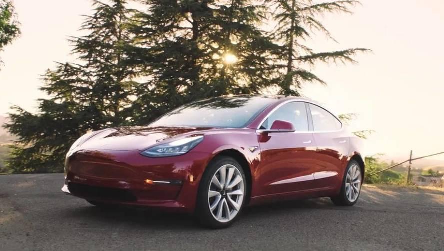 Tesla Model 3 - Dès la semaine prochaine, une version quatre roues motrices
