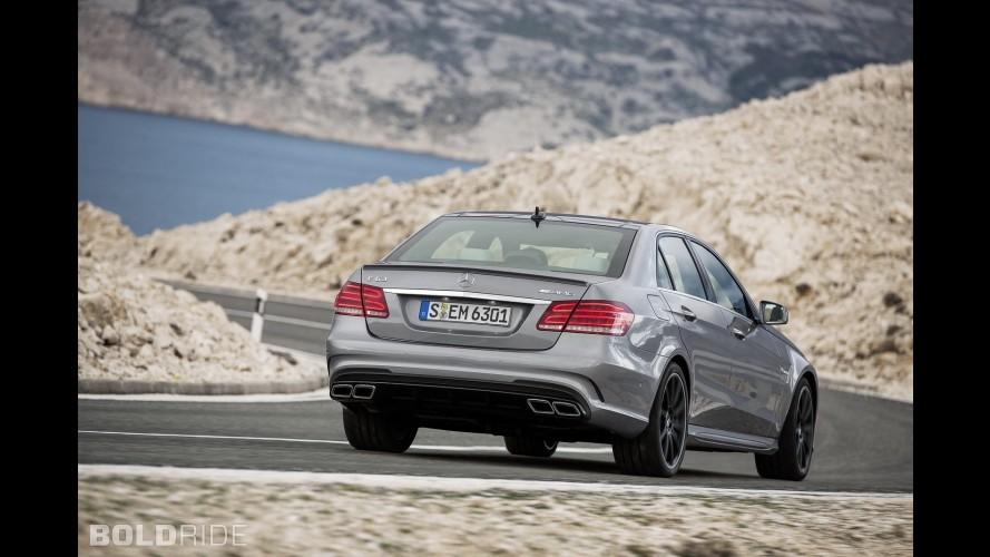 Yeni Mercedes-AMG E63 arkadan itişli olmadan da drift yapabilir
