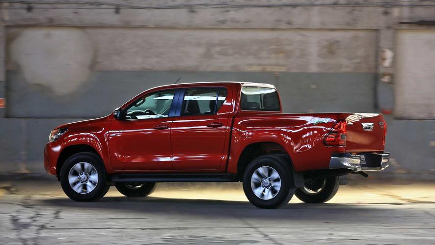 Toyota amplia gama Hilux com tração 4x2 na Argentina