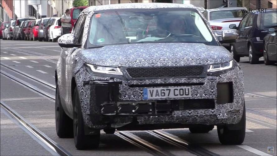 Range Rover Evoque Spied With Some Damage?