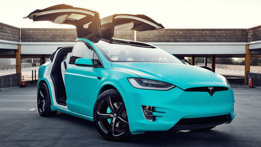 """Tiffany"" Mavisi Tesla Model X eBay'de satışta"