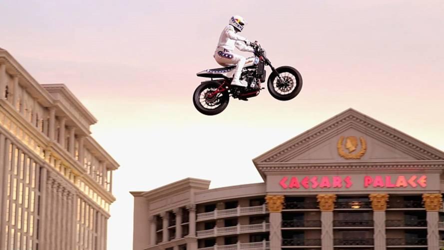 Travis Pastrana makes history with Evel Knievel tribute