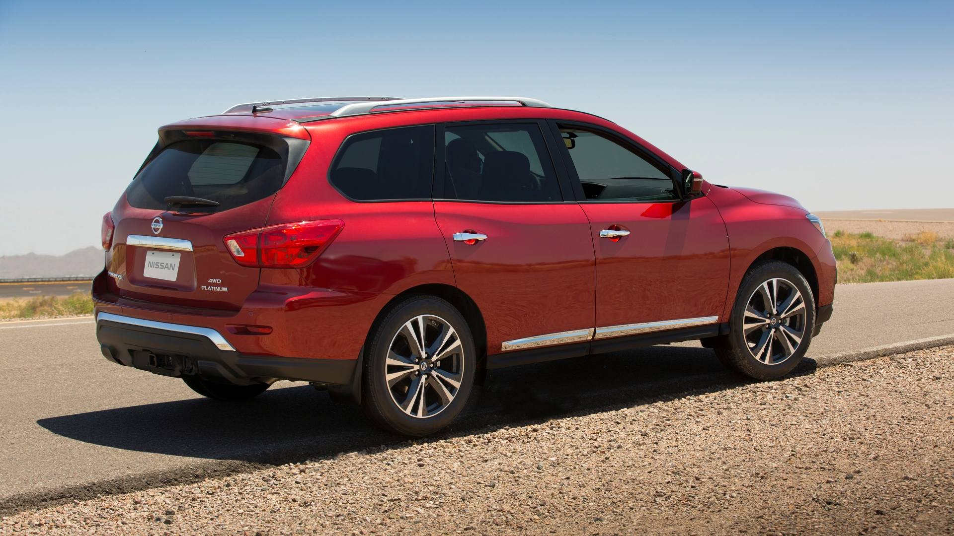 2017 Nissan Pathfinder debuts with more power more style