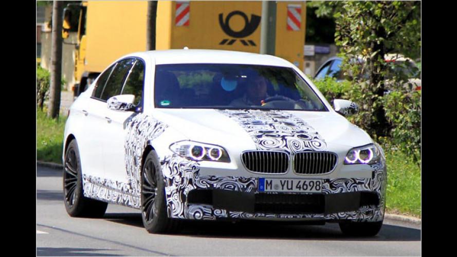 Nur noch leicht getarnt: Der neue BMW M5