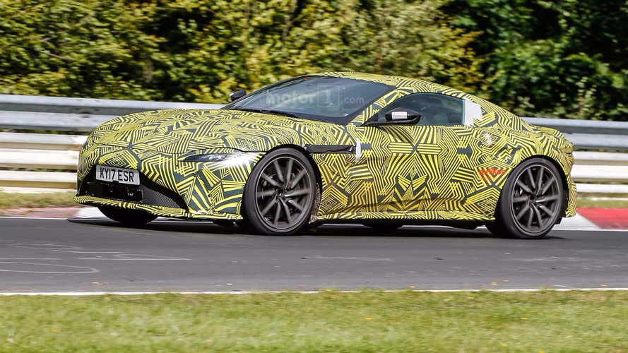 Photos espion - L'Aston Martin V8 Vantage surprise sur le Nürburgring