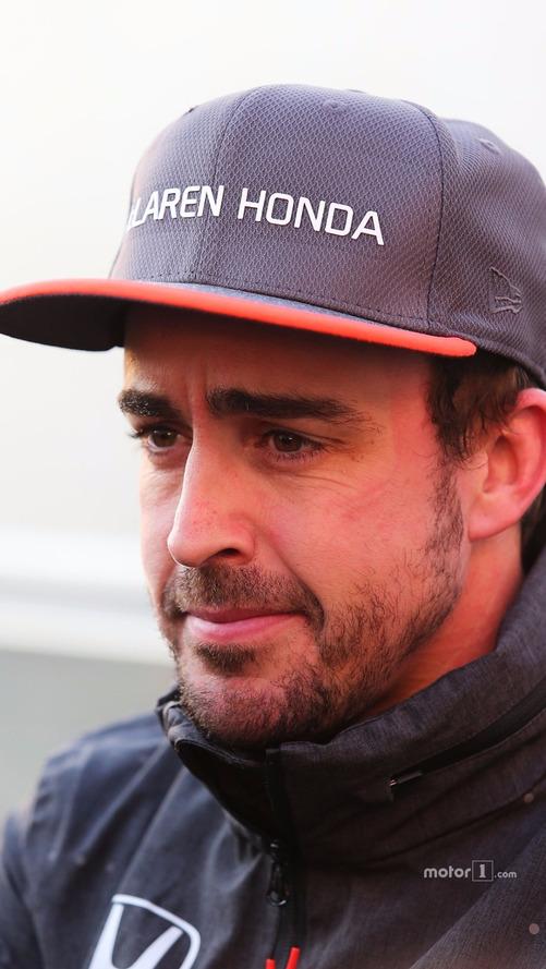 Fernando Alonso, Stoffel Vandoorne e a McLaren MCL32