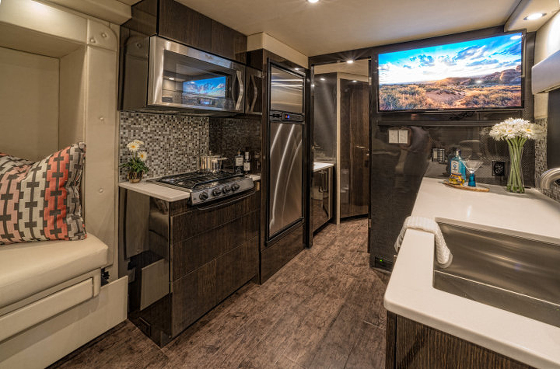 First Ever Carbon Fiber Luxury Camper Trailer Costs Nearly 1M W Video