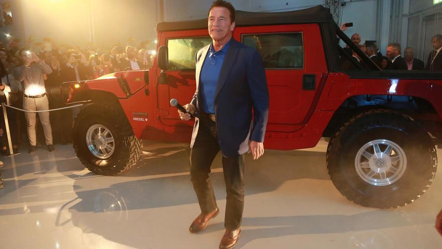 Schwarzenegger présente un Hummer H1... électrique !