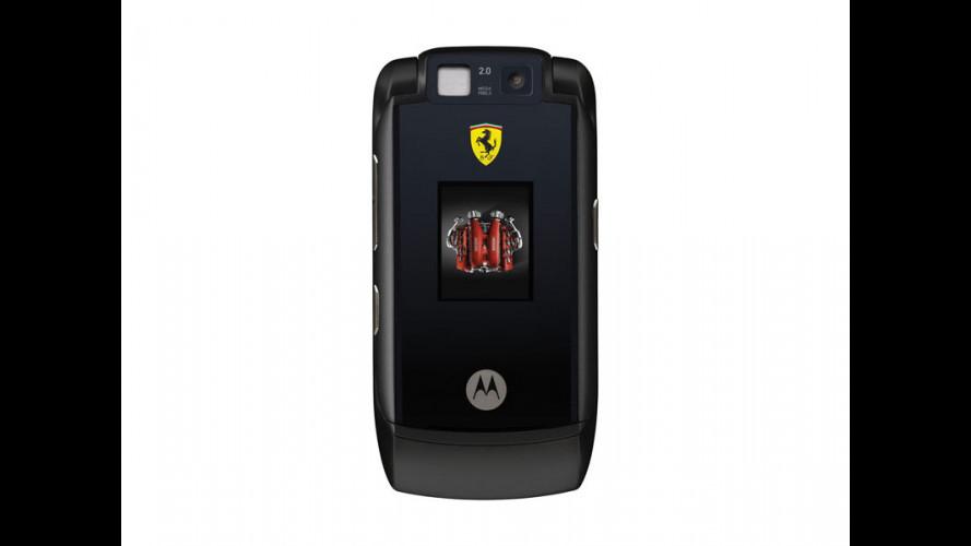 arriva una Ferrari... telefonino!