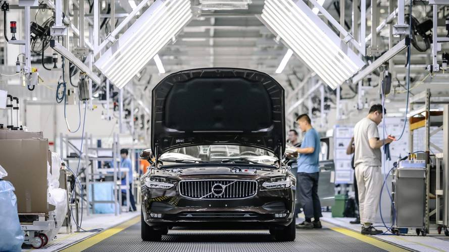 China drops rules that exclude foreign carmakers