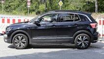 2019 VW T-Cross Hafif Kamuflajlı Casus Fotoğraflar