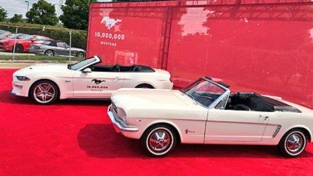 Elkészült a 10 milliomodik Mustang - az elődhöz képest 300 lóerő előnnyel