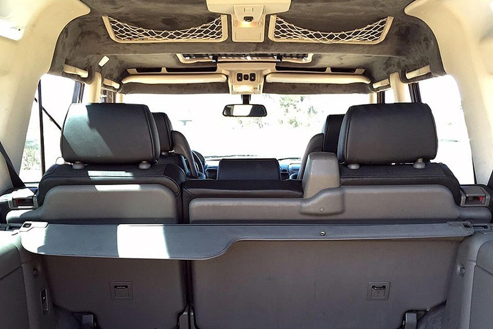 Kalahari Edition: An '02 Land Rover That Begs for Adventure