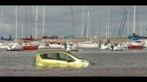 Novo Spark navega pelo Rio de La Plata para comercial
