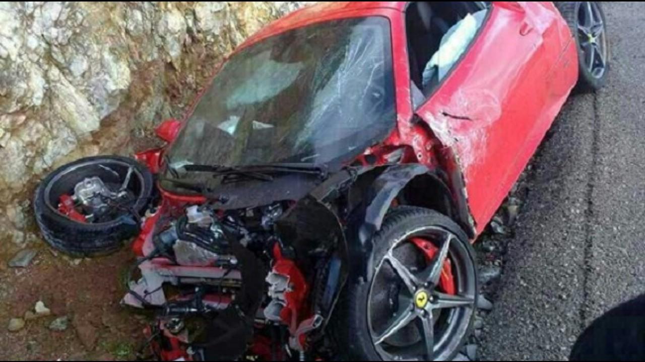 Como destruir uma Ferrari em apenas duas horas