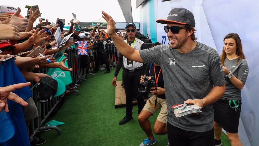 Oficial: Alonso renueva con McLaren otro año más