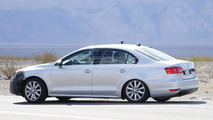 2014 Volkswagen Jetta facelift spy photo