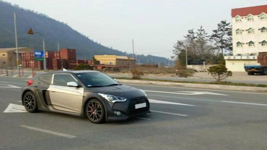 Mid-engined Hyundai Veloster spotted