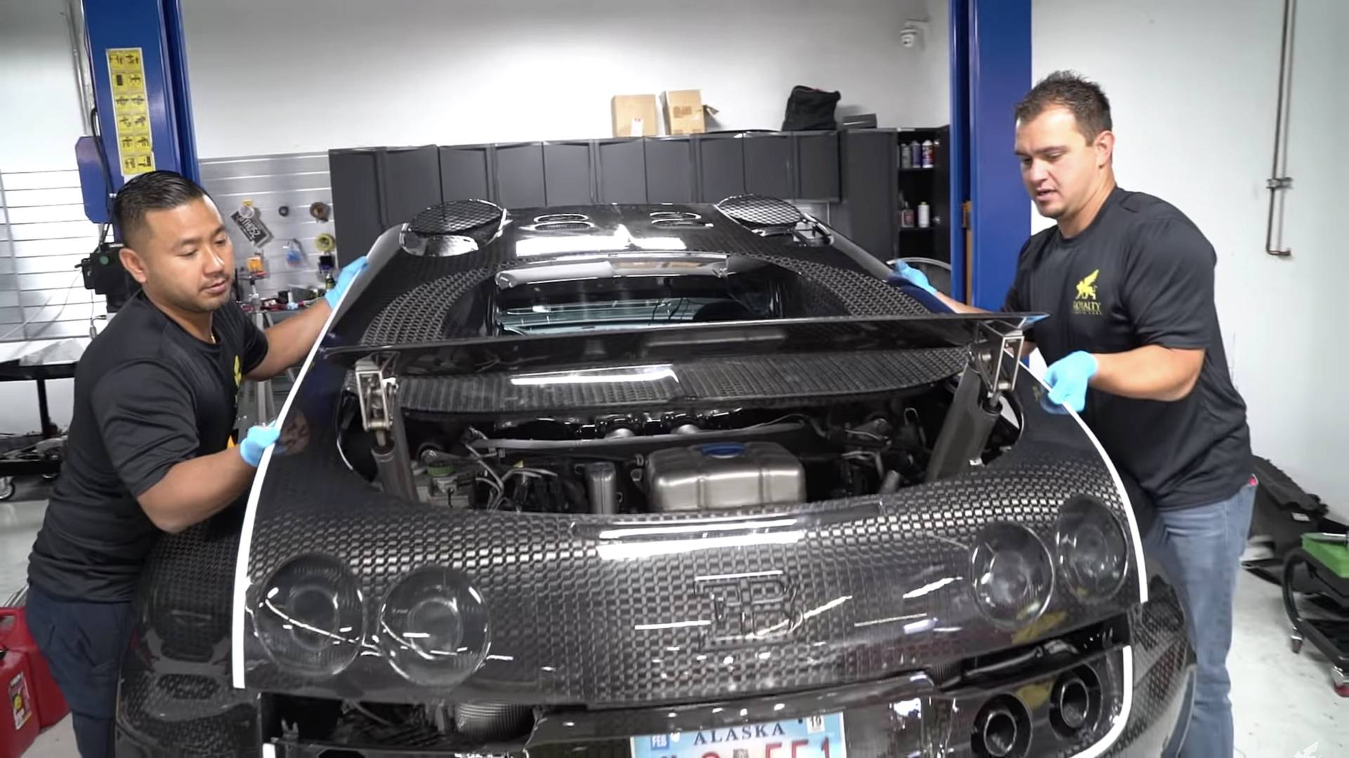 Changing fluids on bugatti veyron is not for the faint of heart solutioingenieria Images