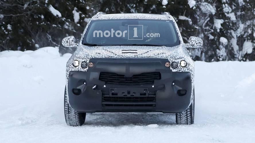 New Opel Mokka X spy photos