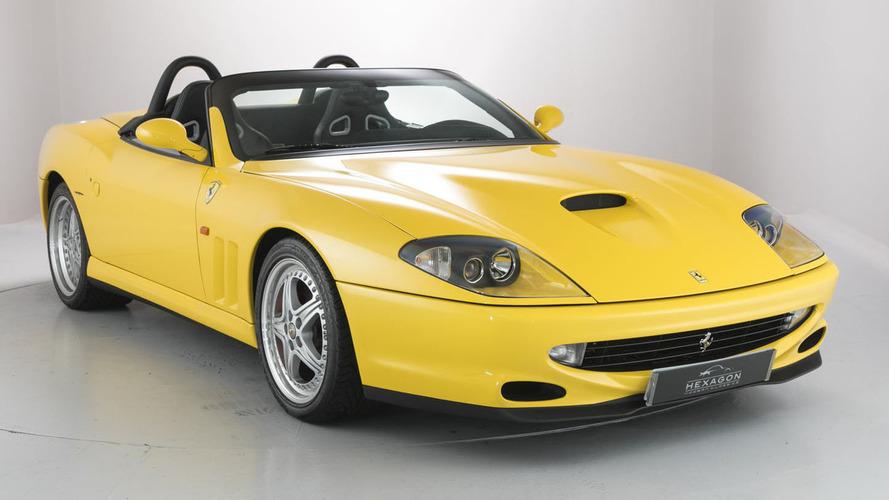 Nadir bulunan iki üstü açık Ferrari İngiltere'deki galeride satışa çıktı