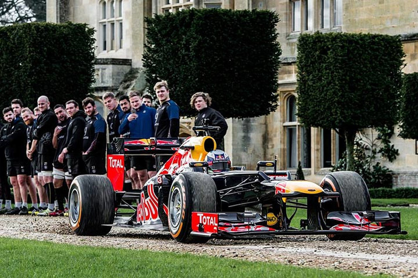 Who's Stronger: A Red Bull F1 Car or Rugby Players?