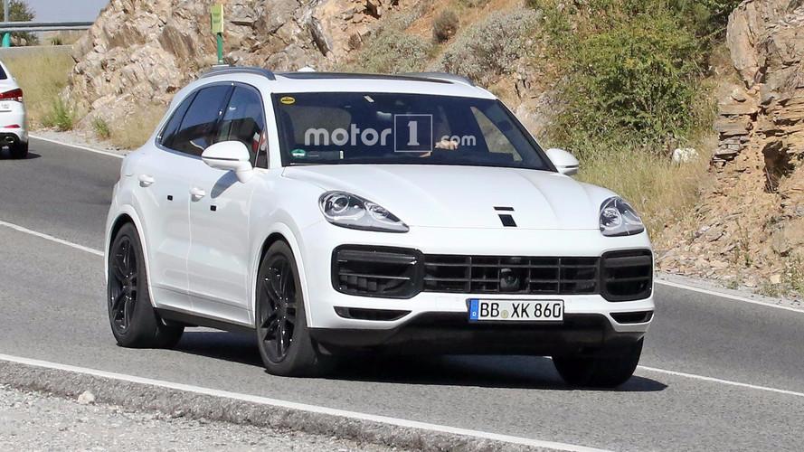 Porsche Cayenne 2018: fotos espía vestido de blanco