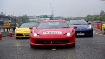 Birleşik Krallık Ferrari Sahipleri Kulübü geçit töreni