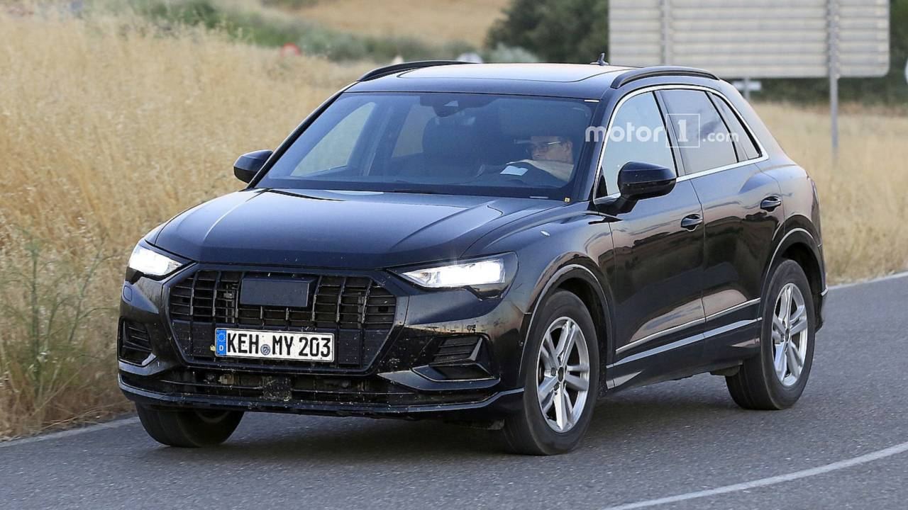 2019 audi q3 spied with 99 percent of the camo gone. Black Bedroom Furniture Sets. Home Design Ideas