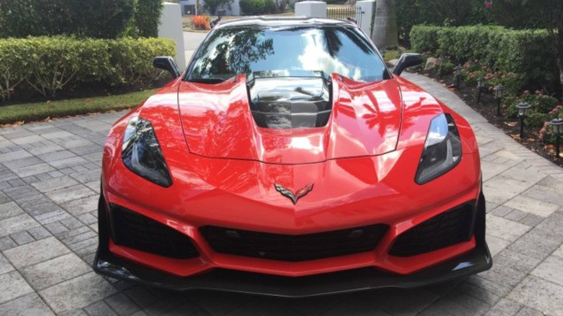 2019 Chevy Corvette ZR1 Owner Wants Nearly $200 000 For His Car