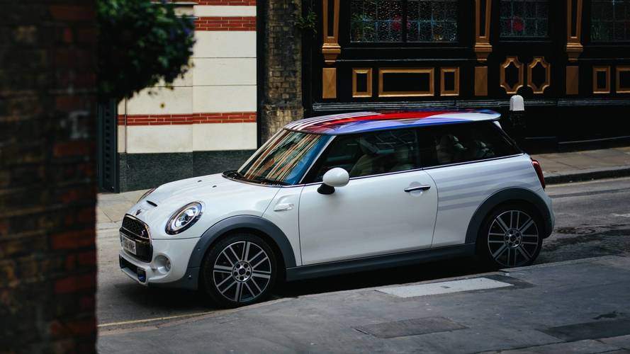 Mini produz Cooper exclusivo para celebrar casamento do príncipe Harry